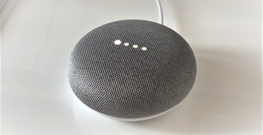 Google Home Mini en escucha